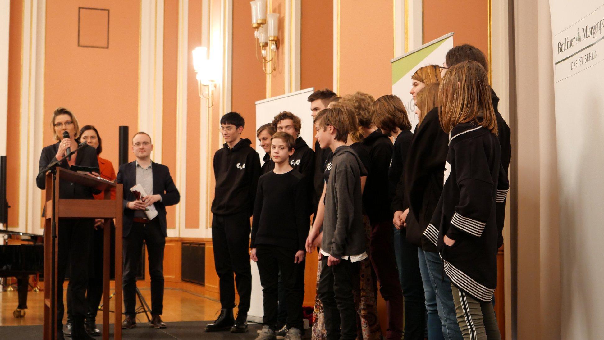Preisverleihung Berliner Schülerzeitungswettbewerb 201819 Junge